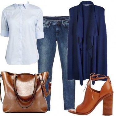 Outfit Blu e color cuoio