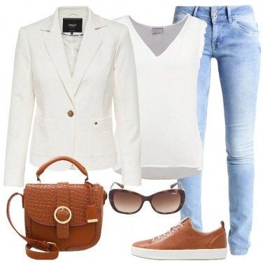 Outfit Delicata in cuoio