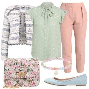 Outfit Bon ton dai colori pastello