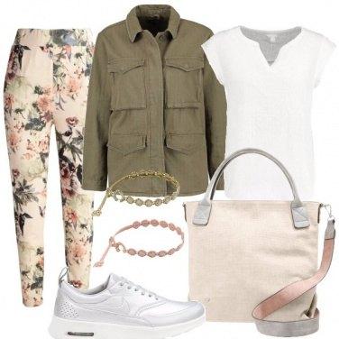 Outfit Sportiva e romantica