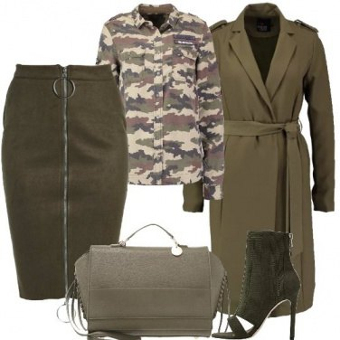 Outfit Militare femminile
