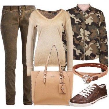 Outfit Camouflage per il tempo libero