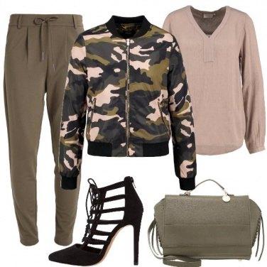Outfit Soldatessa