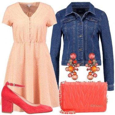 Outfit Pesca e corallo