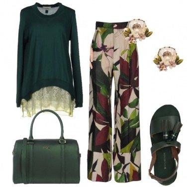 Outfit Un tocco di verde e fiori