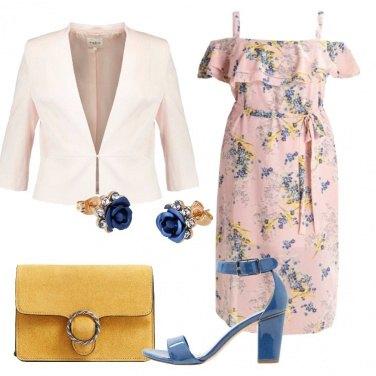 Outfit Come in un campo di fiori