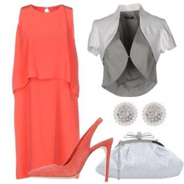 Outfit Eleganza corallina