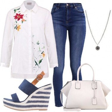 Outfit Bianco floreale