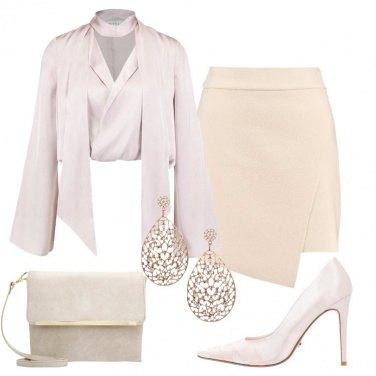 Outfit Seducente nei toni neutri