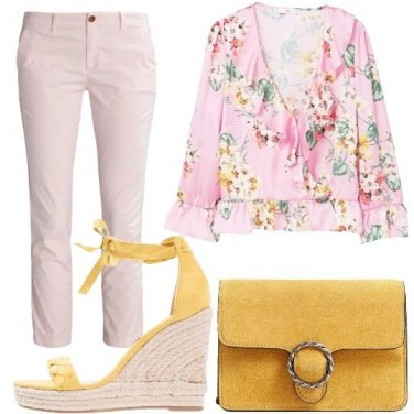 Outfit Stampe floreali e ruches
