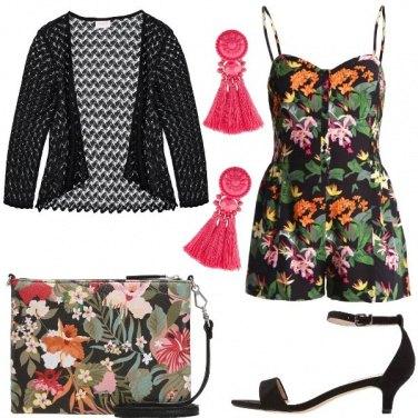 Outfit I fiori colorano il nero