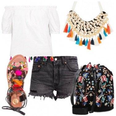 Outfit Un tripudio di nappine e ricami
