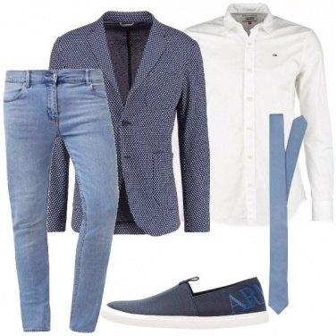 Outfit Cravatta e jeans