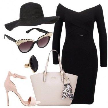Outfit L\'occhiale portato da diva
