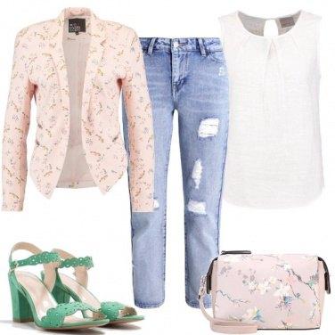 Outfit Una borsa floreale