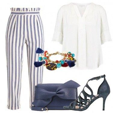 Outfit Una giornata in blu e bianco