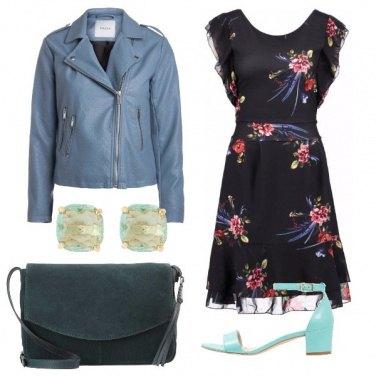 Outfit Romantica nelle sfumature del blu