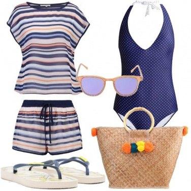 Outfit Colorata in spiaggia