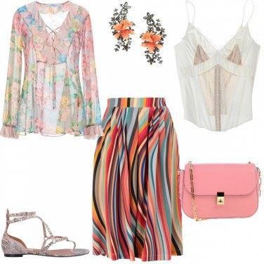 62f2d70437 Come abbinare la blusa fantasia floreale beige: 24 Outfit Donna ...