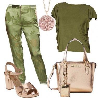 Outfit Raggi lucenti sul verde