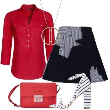 Outfit Rosso e denim indaco