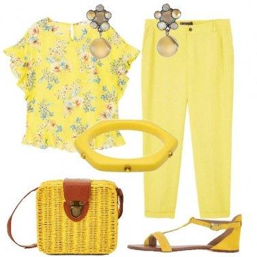 Outfit È tutto giallo
