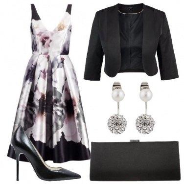 Outfit Elegante con i fiori