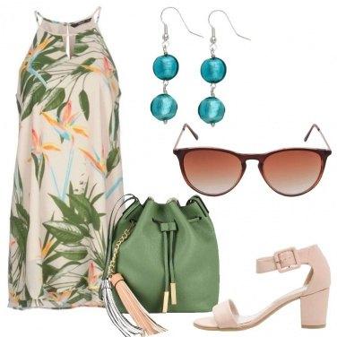Outfit Fiori e foglie tropicali