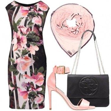 Outfit Un sandalo minimal