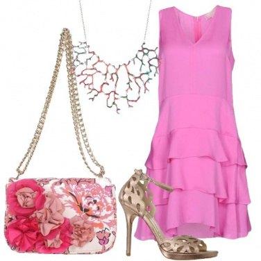 Outfit Invitata in rosa