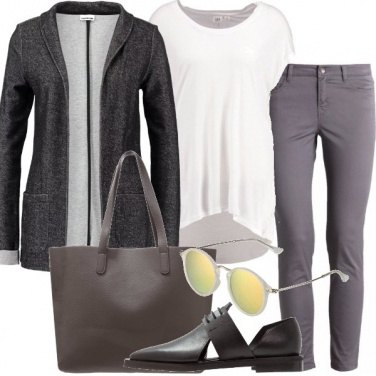 Outfit Tendenza minimal