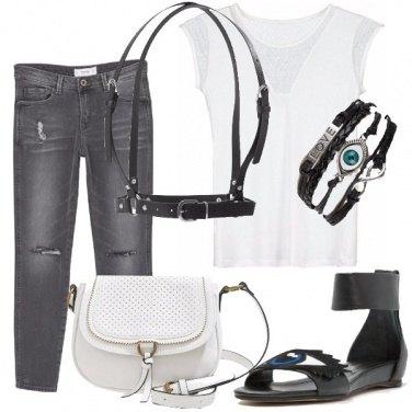 Outfit Con le bretelle