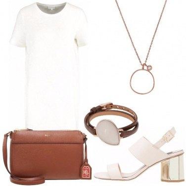 Outfit Minimal di classe