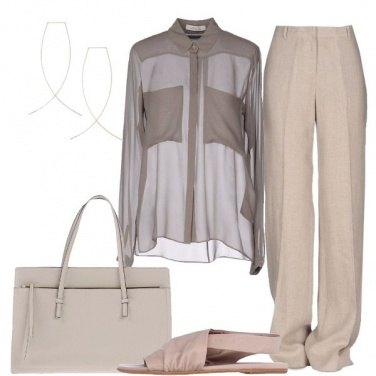 Outfit Minimal in toni neutri