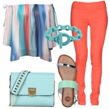 Outfit Turchese e corallo