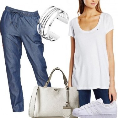 Outfit T-shirt bianca
