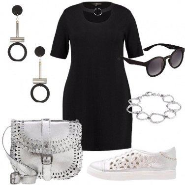 Outfit Il nero e il silver di giorno