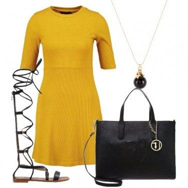 Outfit Sandali particolari
