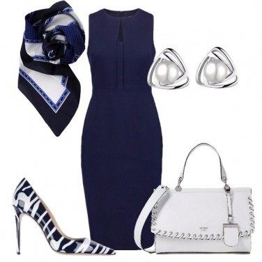Outfit Deliziosa in blu e bianco