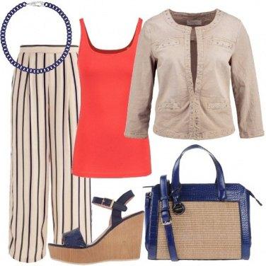 Outfit Beige corallo e blu
