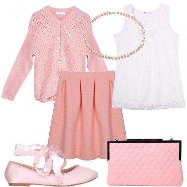 Outfit Signorina in bianco e rosa