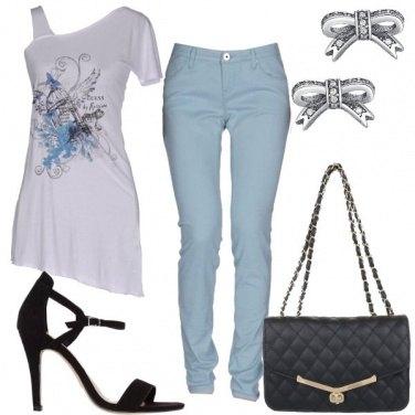 Outfit T-shirt asimmetrica