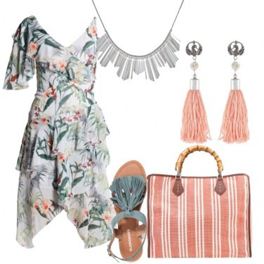 Outfit In fantasia tropicale