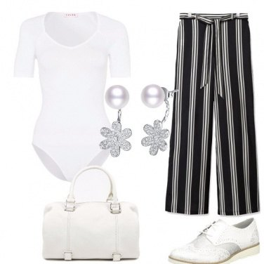 Outfit Bianco a righe