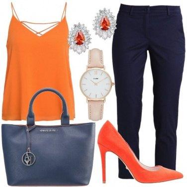 Outfit Arancione e blu