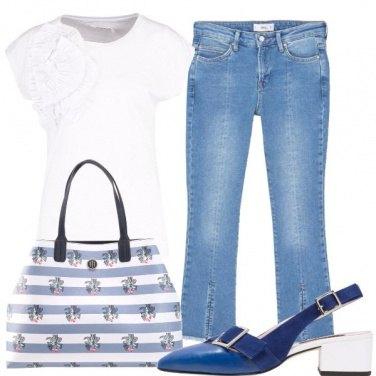 Outfit I jeans con gli spacchetti