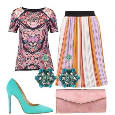 Outfit Fiori e plissé