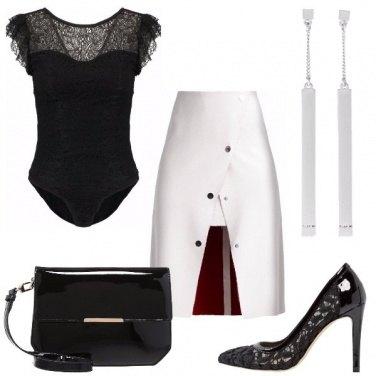 Outfit Linee stilizzate e pizzo