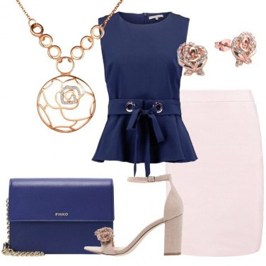 Outfit In blu e rosa