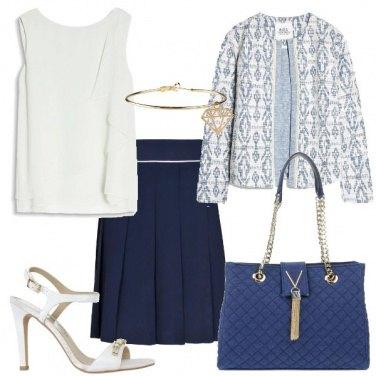 Outfit Bon ton blu e bianco